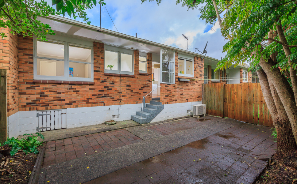 3 2A Peary Rd 07